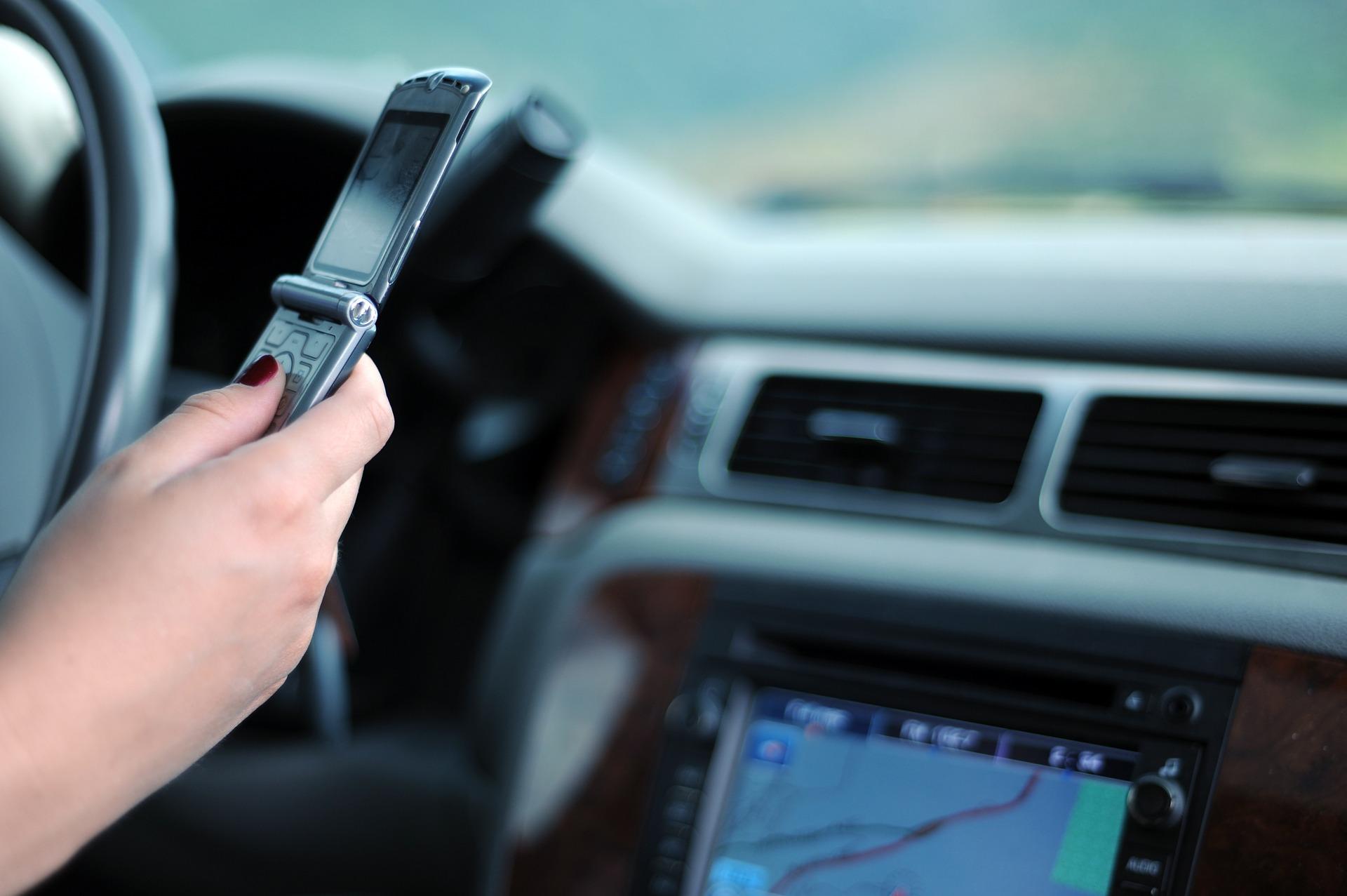 téléphoner en voiture